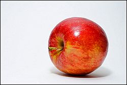 Apfel  Flickr by Flickr / Abhijit Tembhekar
