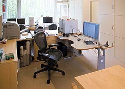 Fit im Büro: 3 Übungen für einen starken Rücken