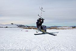 Snowkiten © Flickr by Drift Snowkite Magazine