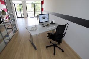 Gesunder Bürostühl und Schreibtisch für gesunden Rücken © Flickr / maiak.info