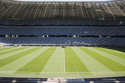 Allianz Arena © Dirk_Vorderstraße by Flickr