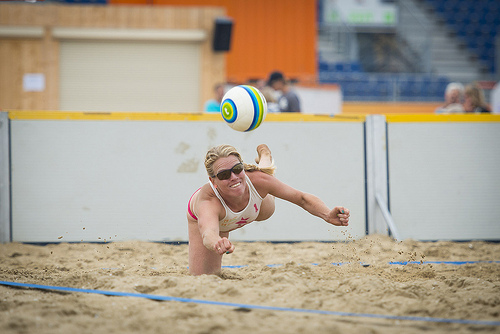 Beachvolleyball © dndrphoto _ Flickr