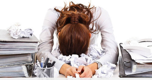Stress, Arbeit, Büro © UrbaneWomenMag