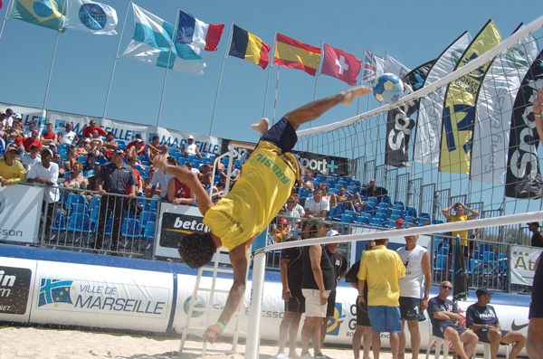 Footvolley © Thomas Noack by Wikipedia