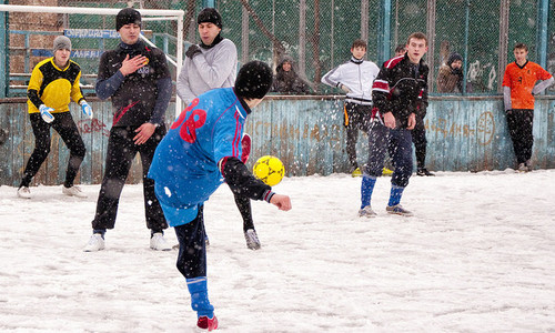 fussball-winter ©  Artur Potosi / Flickr