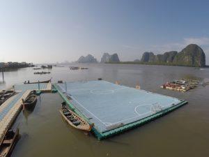 Fussball mal etwas anders – das schwimmenden Feld in Koh Panyee